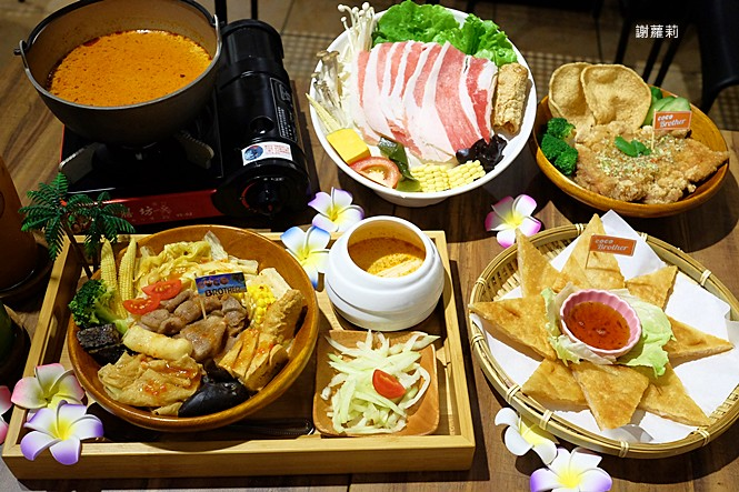 39794260492 36e3460974 b - 台中東區 | 濃鄉臭豆腐。台中火車站美食推薦 超好吃隱藏版臭豆腐,只有在地人才知道的低調銅版美食!