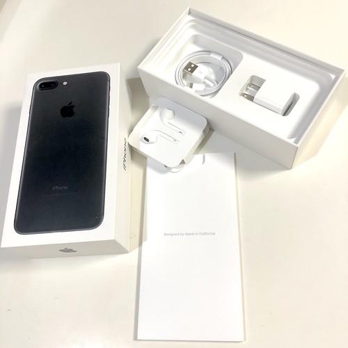 iPhoneの箱と付属品
