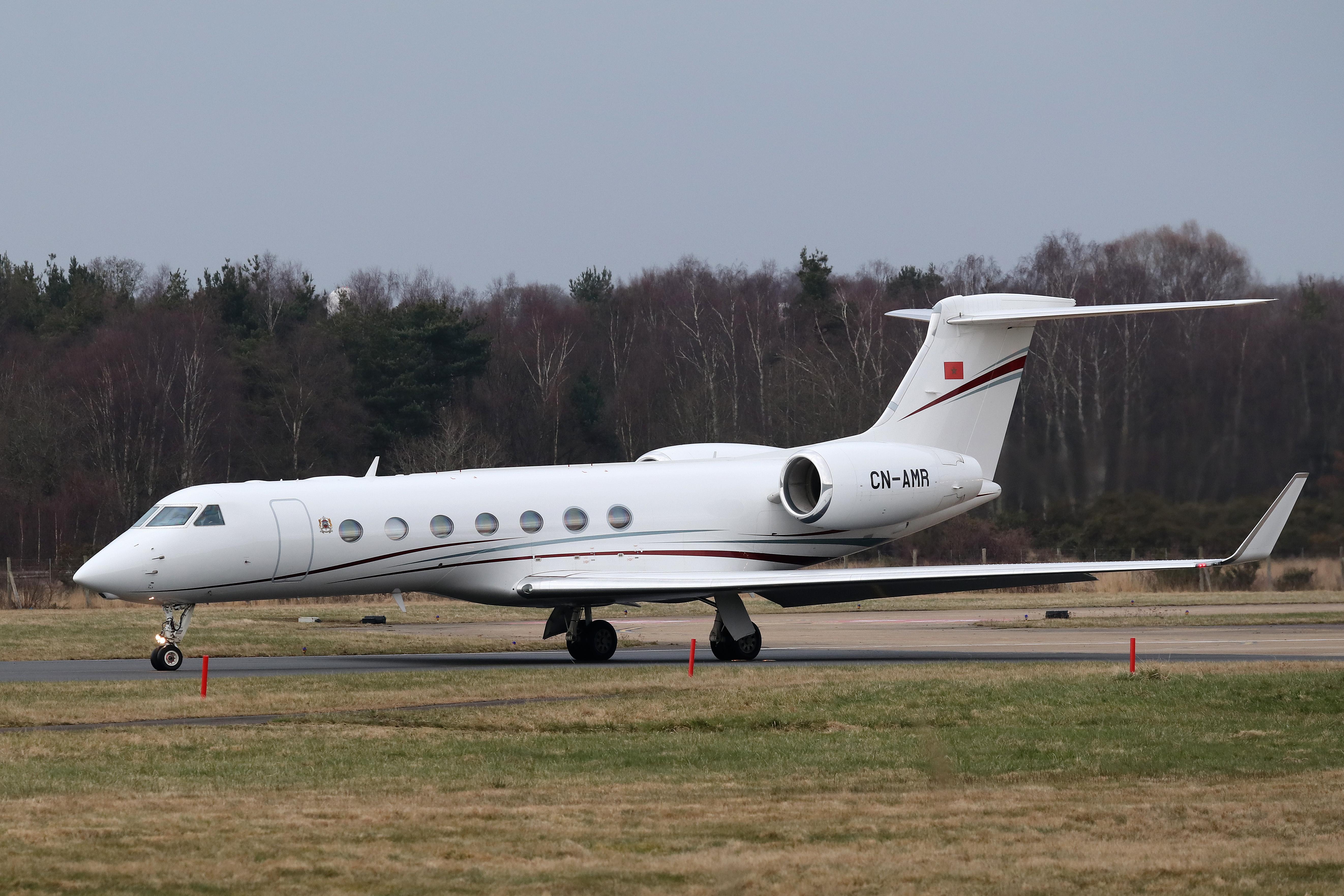 FRA: Avions VIP, Liaison & ECM - Page 19 39947434084_802486968c_o