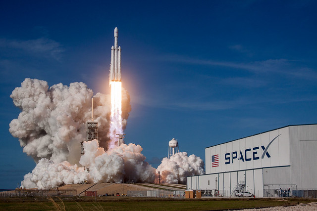 Official SpaceX photo of Falcon Heavy lifting off from LC-39A at Kennedy Space Center, Florida on 6 February 2018 40126461411_aabc643fd8_z.jpg