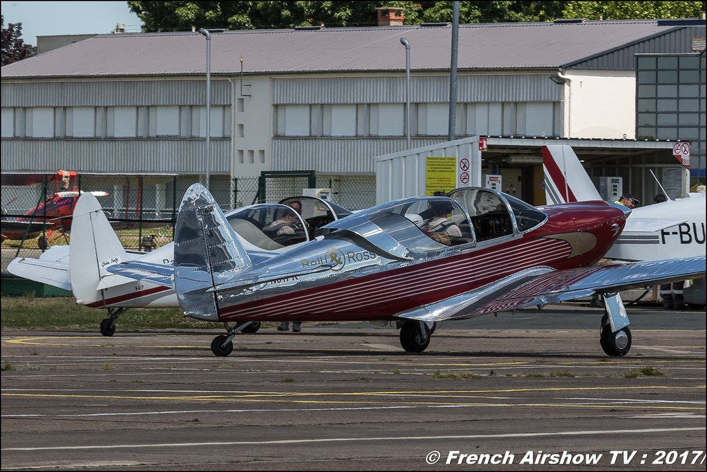 Patrouille Swift - acrobatique voltige globe , Swift Team , Fly in LFBK 2017 , Fly-in Saint-Yan 2017 , Meeting Aerien 2017