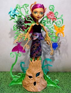 Monster High  Treesa Thornwillow Tree Wood Nymph Garden Of Frights | by ladyasuna