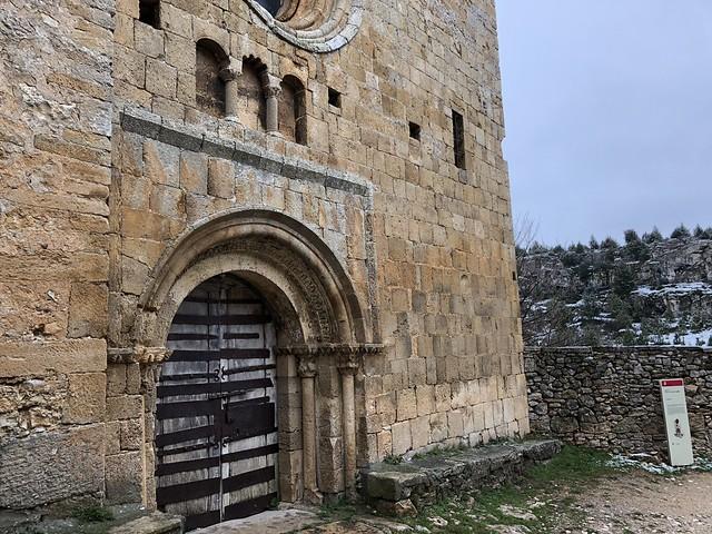 Iglesia de Santa María del castillo en Calatañazor (Soria)