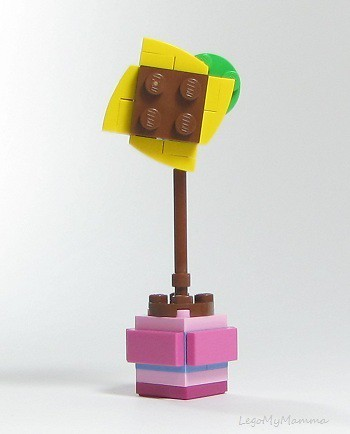 Alternate build #1 - using only parts from Friendship Flower polybag (30404) | by LegoMyMamma