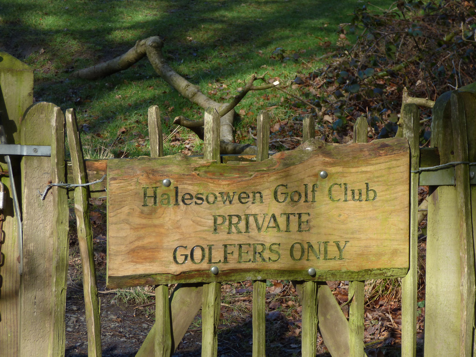 Halesowen Golf Club - Leasowes Park - sign - Halesowen Golf Club Private Golfers Only | by ell brown