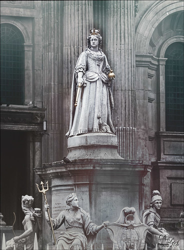 Statue of Queen Anne in St. Paul's Churchyard in London, England