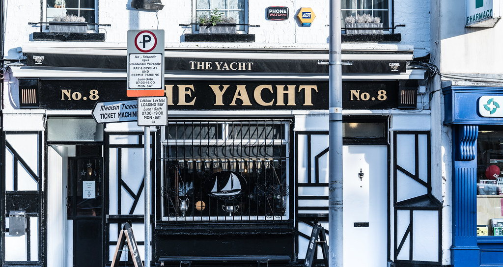THE YACHT THORNCASTLE STREET