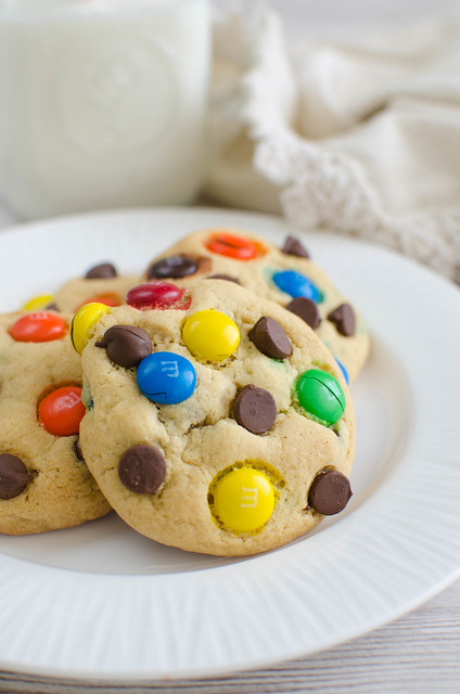M&Ms Chocolate Chip Pudding Cookies