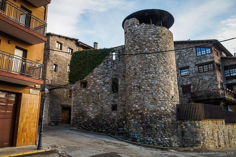 Torre de la Portella en la muralla de Bagà