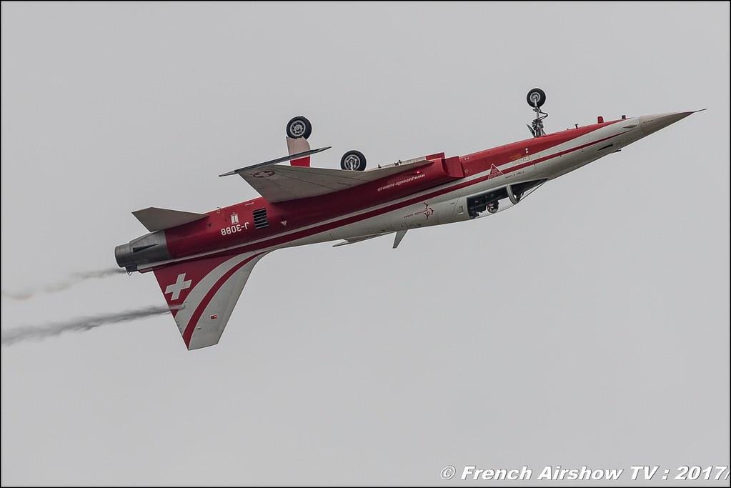 Patrouille Suisse est la patrouille acrobatique officielle des Forces aériennes suisses , Royal International Air Tattoo 2017 , Air Tattoo – RIAT 2017 , Fairford , UK Airshow Review 2017 , Meeting Aerien 2017