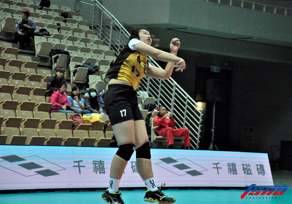 張妤嘉是台灣少數會實戰使用跳發的球員。(張哲郢/攝)