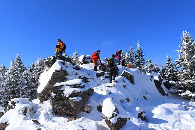 蛇骨岳山頂の岩場