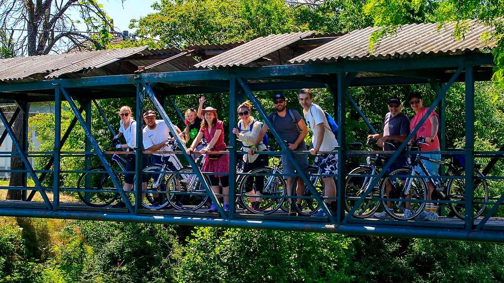 第十屆克羅埃西亞單車生態影展在五天四夜裡,規劃了不同路線的單車行程,每日皆從科斯塔伊尼察小鎮出發,遊覽周邊村莊的大自然與古蹟,在每年初夏,來自世界各地的入圍導演們,因影展而拜訪此地,一同穿梭在克羅埃西亞的生態與過往歷史裡,讓人印象深刻。攝影:Nikola Solic