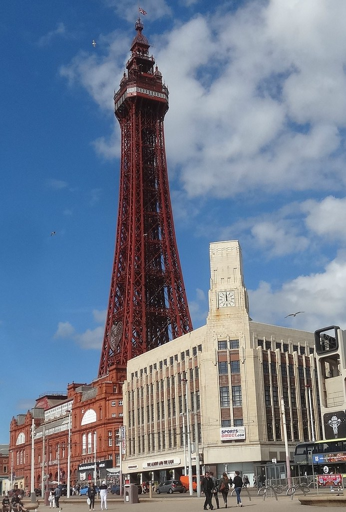 56762 Blackpool Tower Amp Woolworth S Building