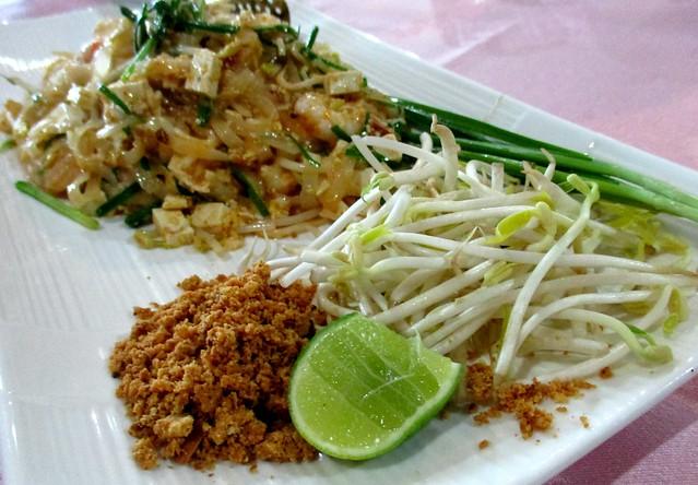 Flavours Thai Kitchen pad Thai