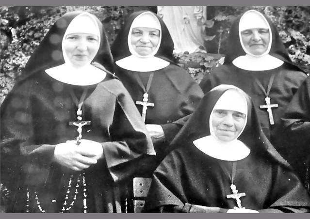 Brigitte Stolle: Als Brunhilde, Barbara und ich das Ewige Licht auspusteten ... Kindergärtnerin Schwester Maria Lena