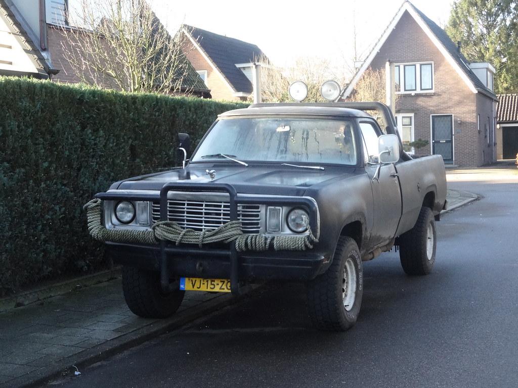 ... DODGE W 200 VJ-15-ZG 1977 / 1990 Apeldoorn | by willemalink