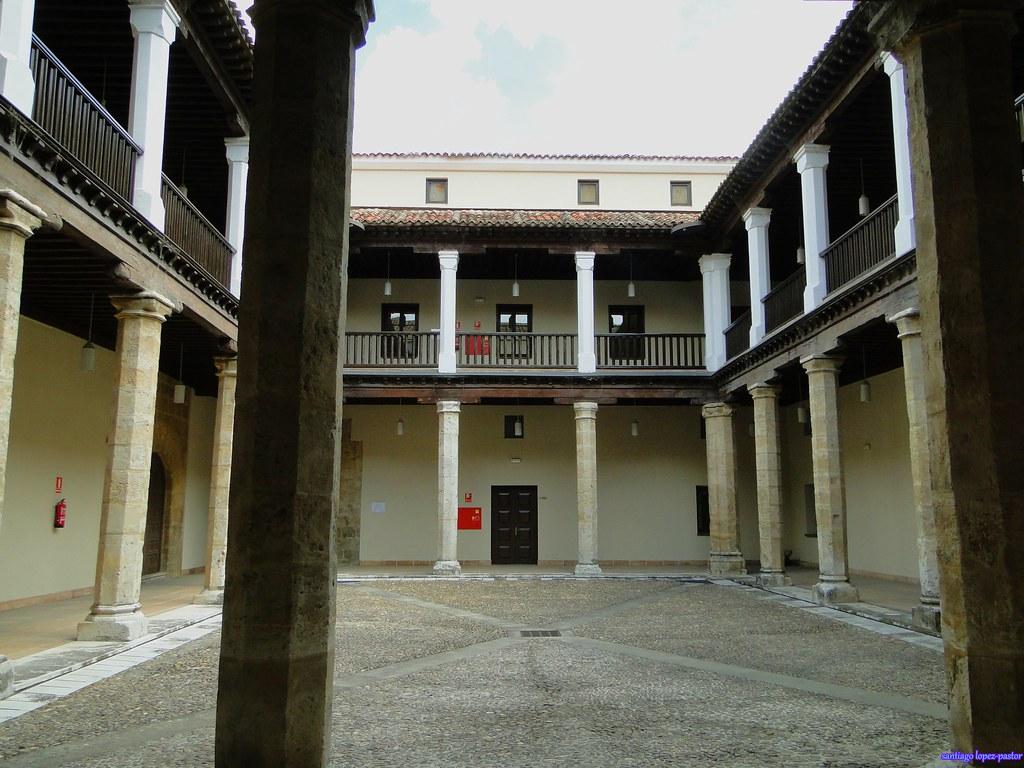 Valladolid palacio de los vivero en l firmaron su for Viveros valladolid