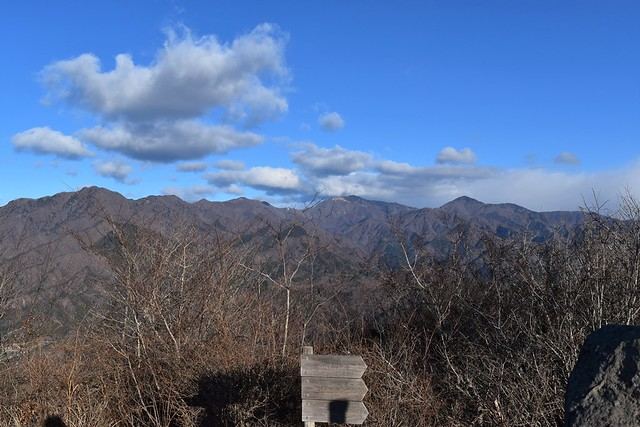 高川山から扇山、高尾方面の展望