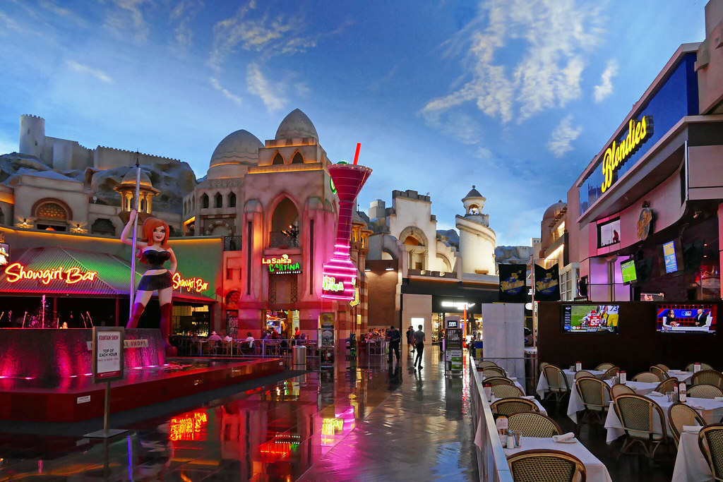 Miracle Mile Shops | Miracle Mile Shops is a 475,000 square … | Flickr