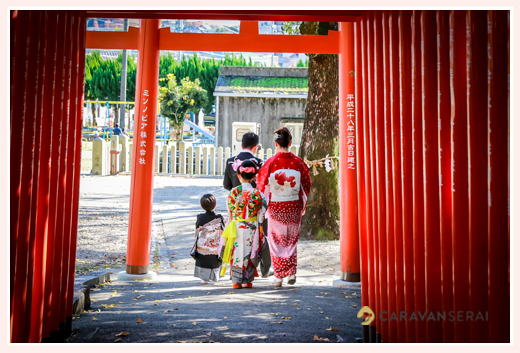 女性出張カメラマンが撮る七五三写真 in 深川神社(愛知県瀬戸市) 兄弟揃って七五三(3才の男の子と7才の女の子)
