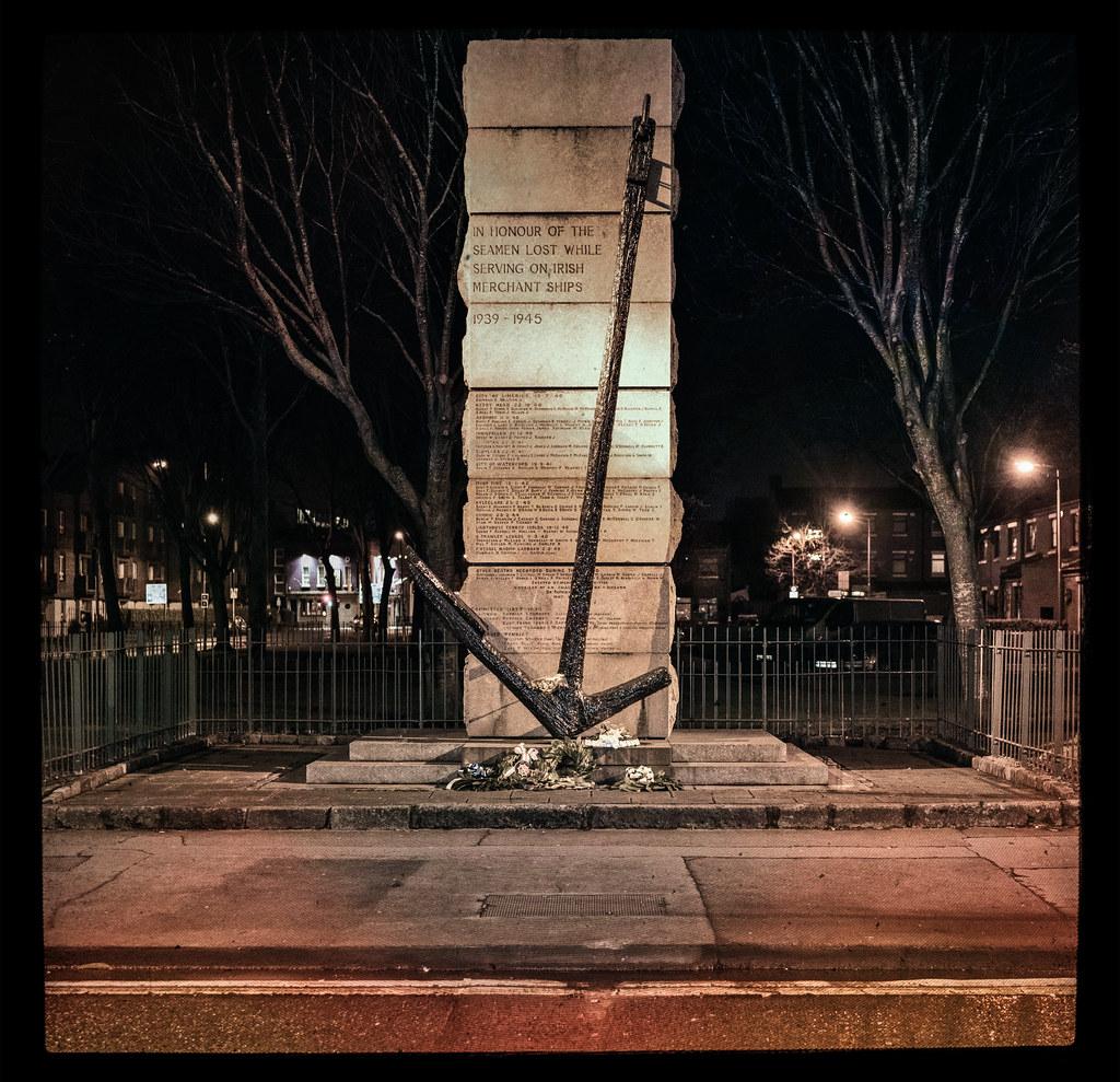 MERCHANT MARINE MEEMORIAL IN DUBLIN DOCKLANDS [1939 - 1945]