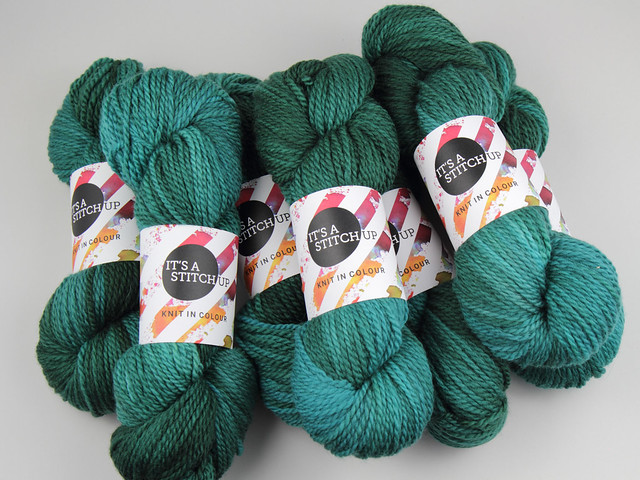Awesome Aran finest British superwash hand dyed wool yarn 6 x 100g Sweater Pack  – 'Heart of Glass'