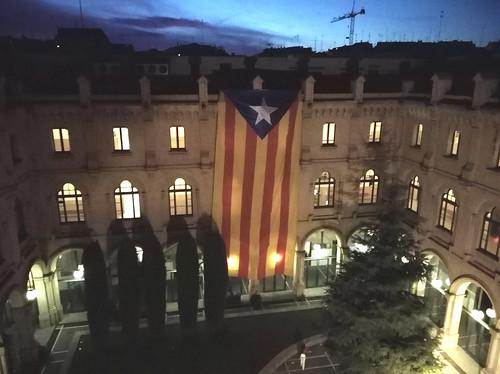 La bandiere catalane metude fûr in chescj dîs ae Universitât di Lleida