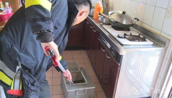 蜂蛇問題,長期由消防單位處理,人員安全、動物福利都難以顧及。