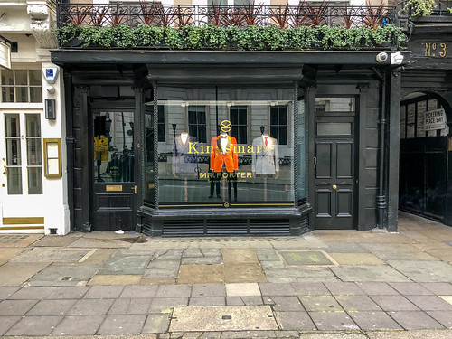 London: Kingsman Mr. Porter Shop | London ist die ...