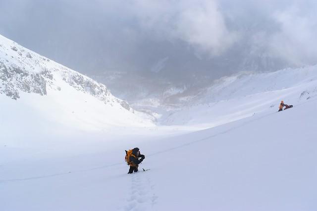 焼岳雪山登山 山頂直下の急斜面