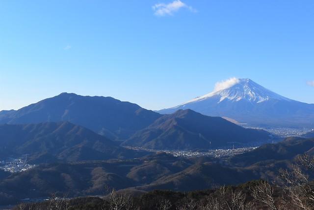 富士山と御正体山