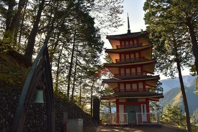 奥多摩 愛宕神社の五重塔