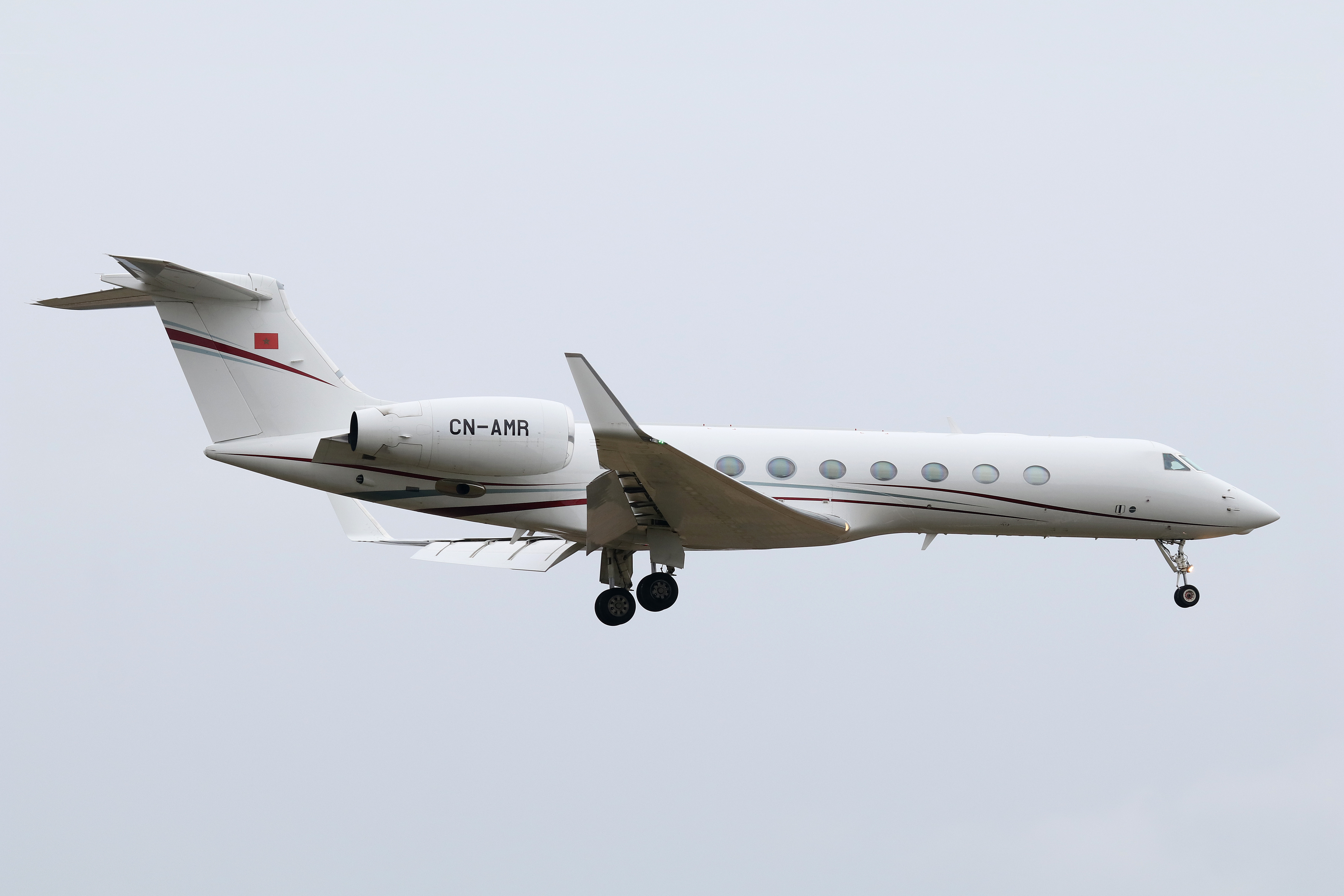 FRA: Avions VIP, Liaison & ECM - Page 19 39947434024_81a262f69c_o