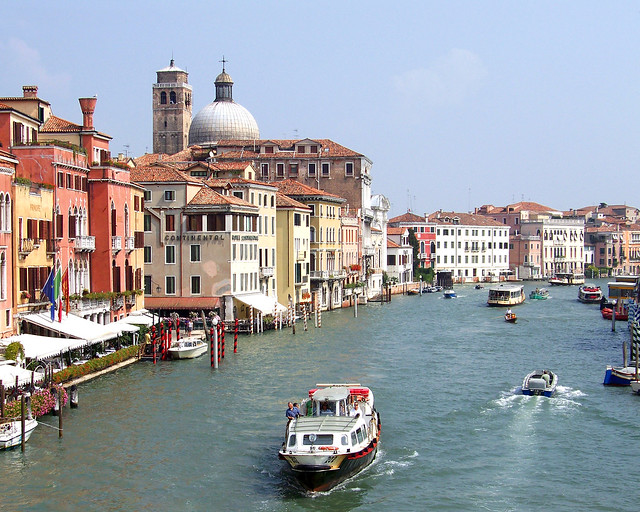 El Gran Canal, uno de los grandes lugares donde dormir en Venecia