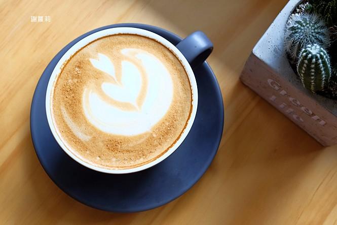 40580753311 7d6a24fb9e b - ROU ROU Kaffee 肉肉咖啡 | 影片版 新開幕,多肉植物 手沖咖啡,清新老宅氛圍的大份量豐盛早午餐!