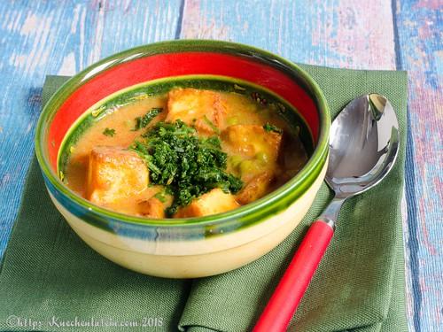 Curry mit Erbsen und Käse - Paneer mattar (1)