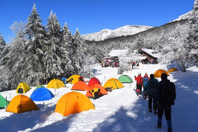 冬の行者小屋テント場