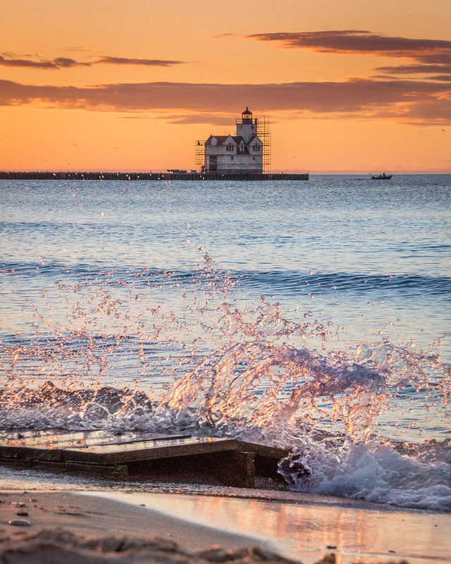 Splash, Lake Michigan, Lighthouse, Sunrise, Kewaunee