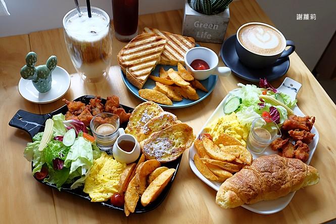 38770700780 e8096bcc03 b - ROU ROU Kaffee 肉肉咖啡 | 影片版 新開幕,多肉植物 手沖咖啡,清新老宅氛圍的大份量豐盛早午餐!