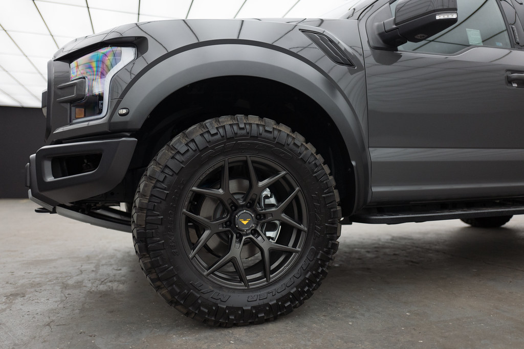 "White Ford Raptor >> Ford Raptor - 20"" Venom Rex-601 Carbon Graphite 