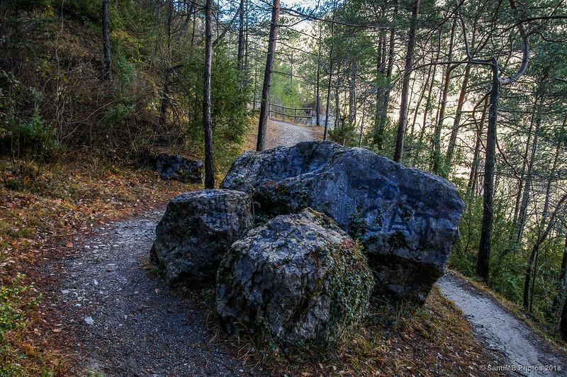 Rocas en medio de la Vía del Nicolau