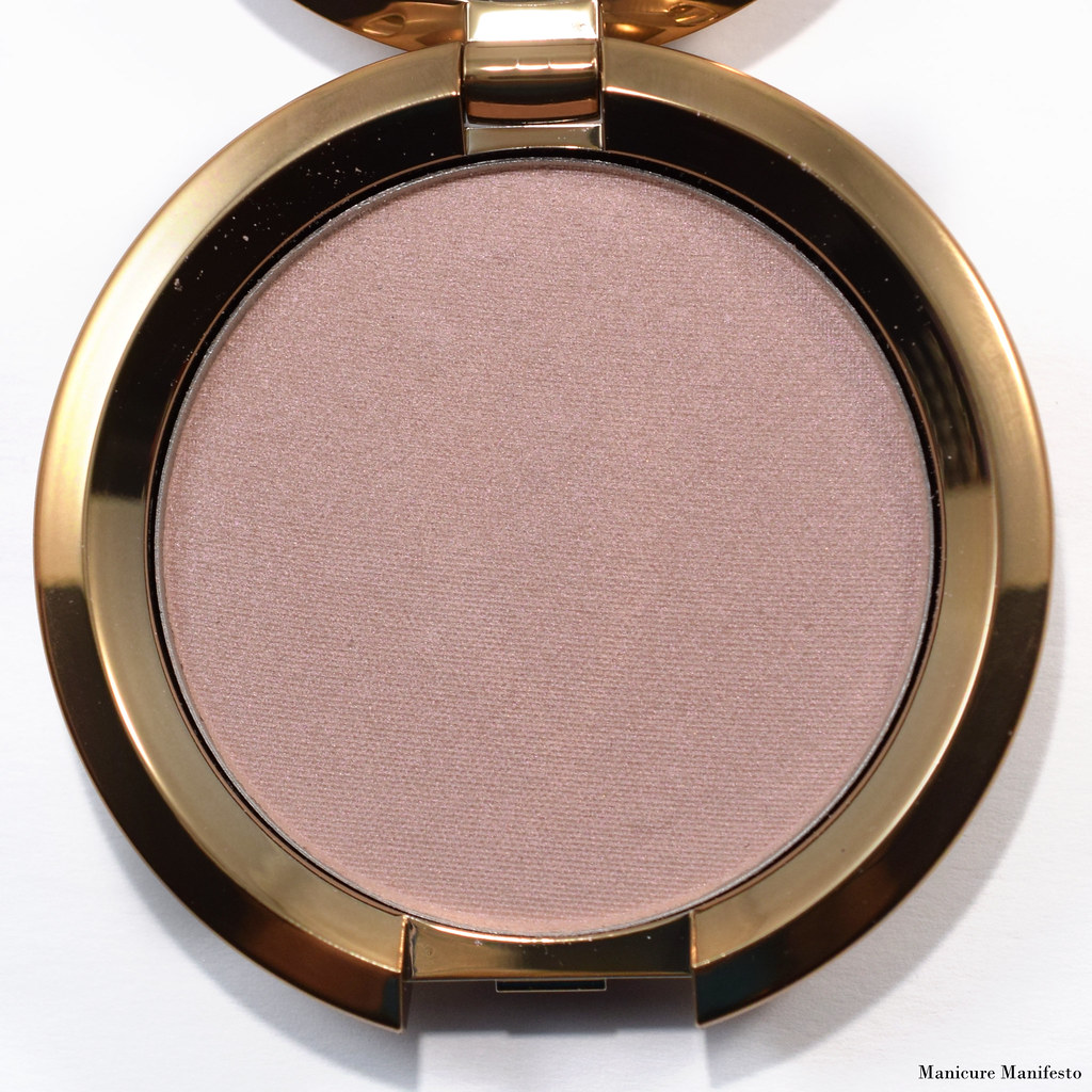 Becca Rose Quartz Flashes Seashell highlighter