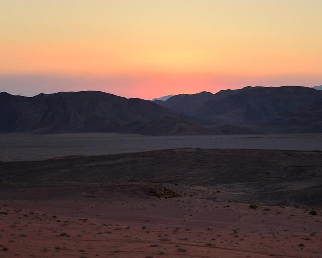 Últimos rayos del atardecer en Wadi Rum