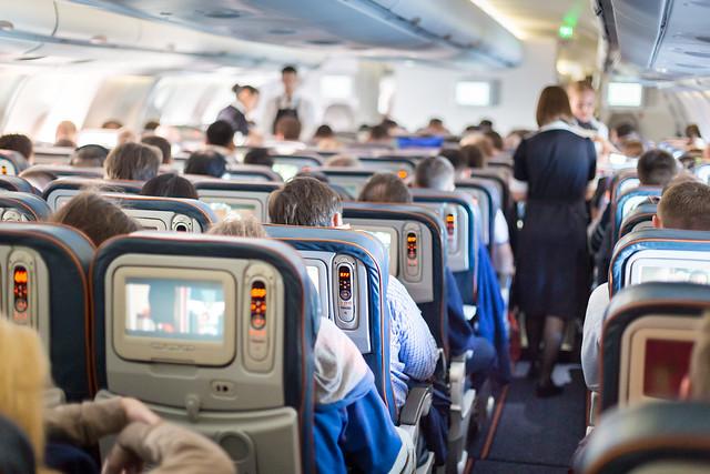 Tarvittaessa Private Skies yhdistää kuljetusratkaisuunne myös tilauslennon ja reittiliput hinnan ja mukavuuden optimoimiseksi.