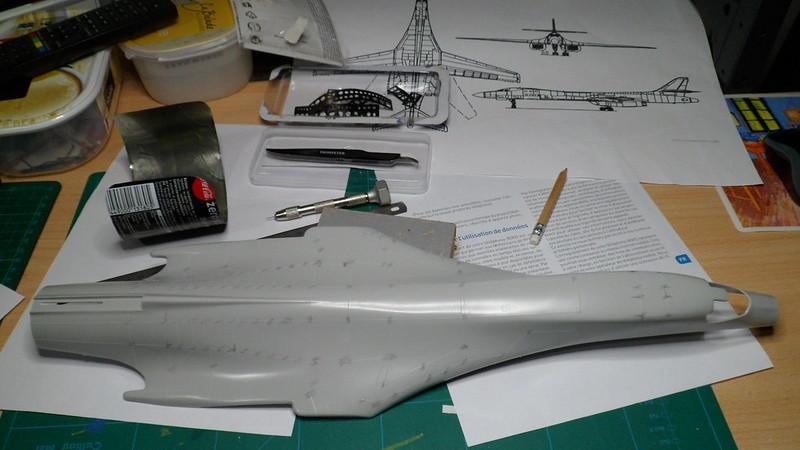 Défi moins de kits en cours : Rockwell B-1B porte-clé [Airfix 1/72] *** Abandon en pg 9 - Page 3 25805078477_1977102296_c