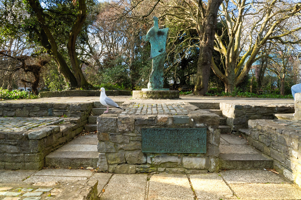 HENRY MOORE MEMORIAL TO W.B. YEATS  003