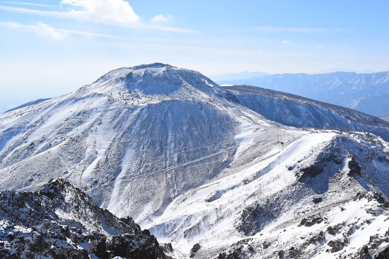 冬の那須岳登山 朝日岳からの茶臼岳