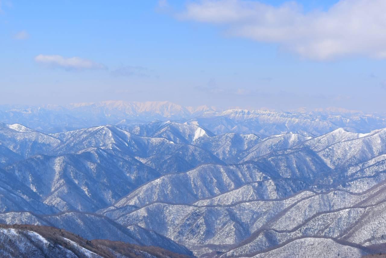 那須岳から眺める平ヶ岳