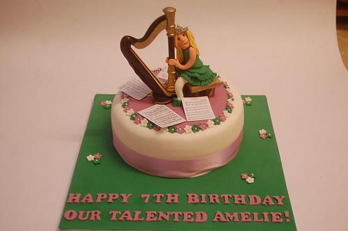 Harp Cake – Beautiful Birthday Cakes